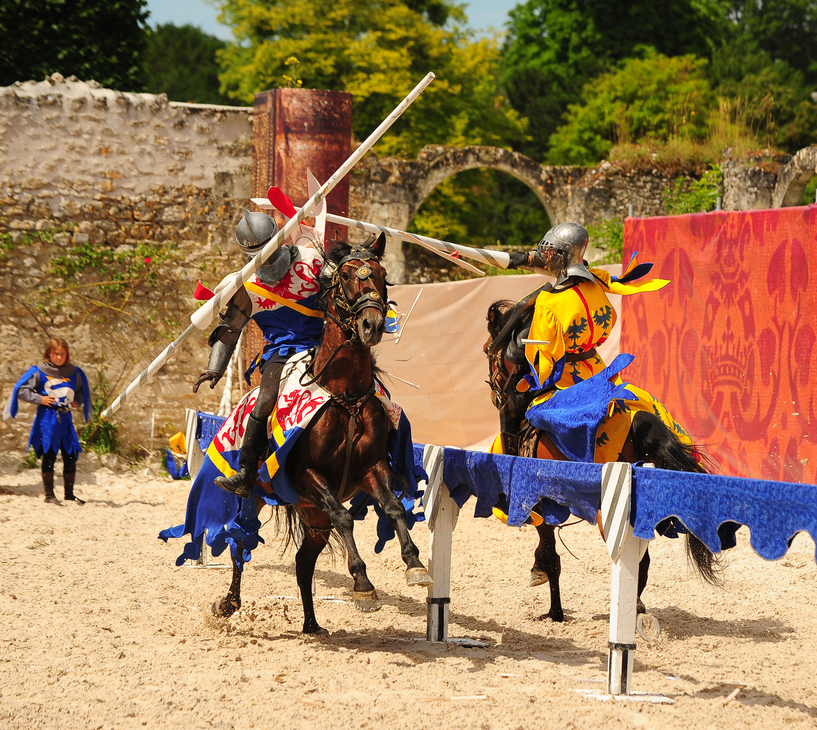 Horses and Raptors show at the National Domain of Chambord